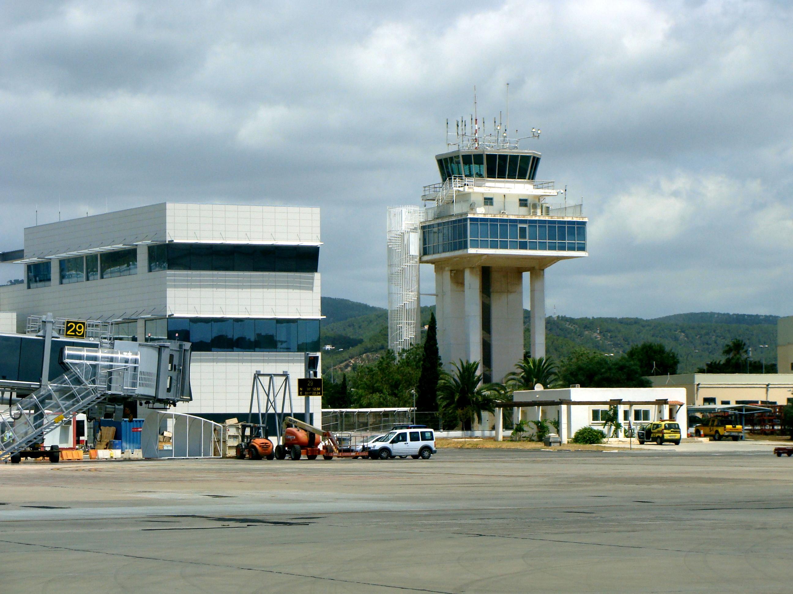 Aeroporto Ibiza : File ibiza airport la tour de contrôle g wikimedia