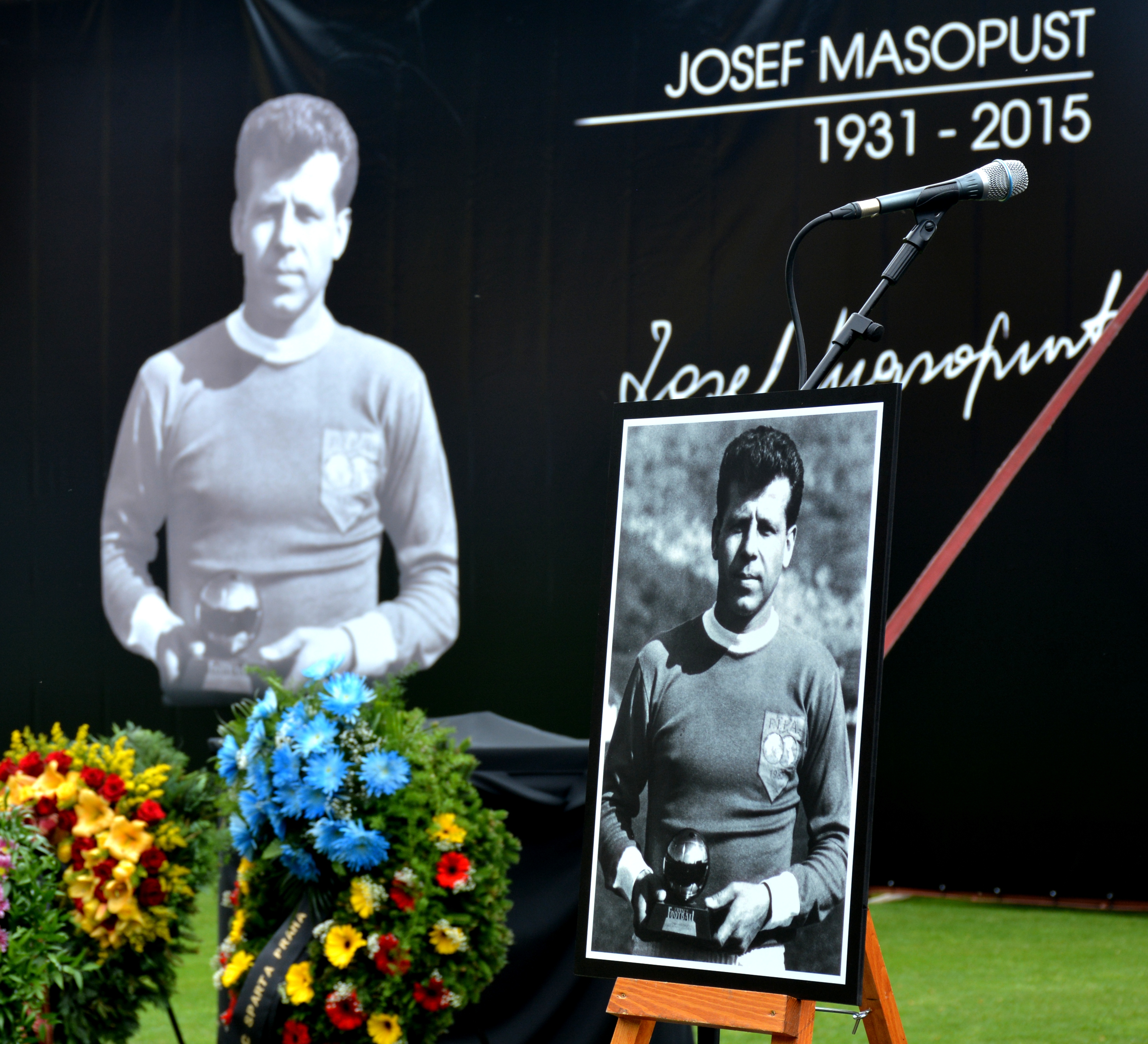 File Josef Masopust rozloučen 3 JPG Wikimedia mons