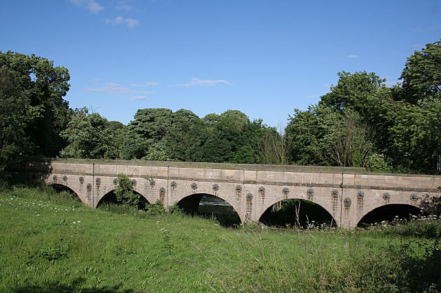 Kings Mill Viaduct - geograph.org.uk - 856899