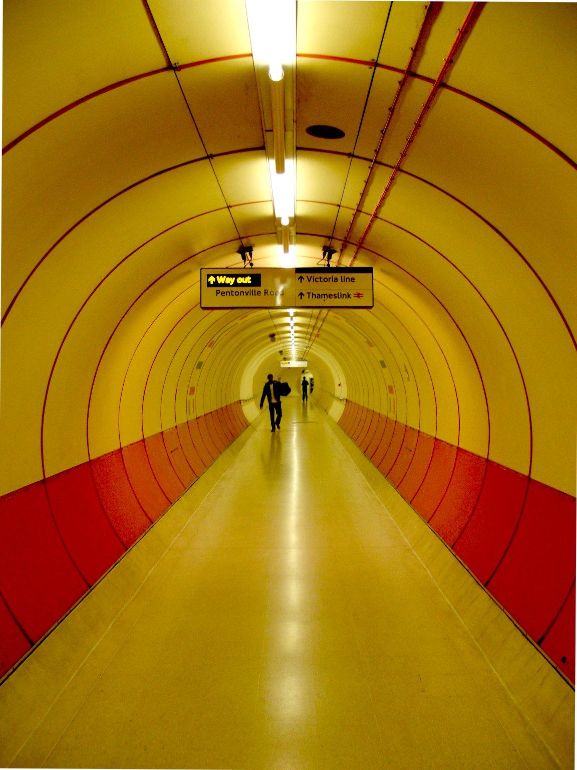 Man Cave Kings Cross : File kings cross tunnel g wikimedia commons