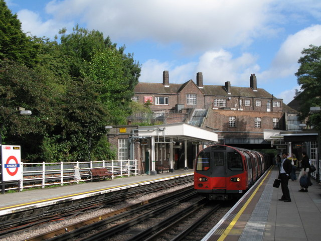 Kingsbury tube station (2) - geograph.org.uk - 937865