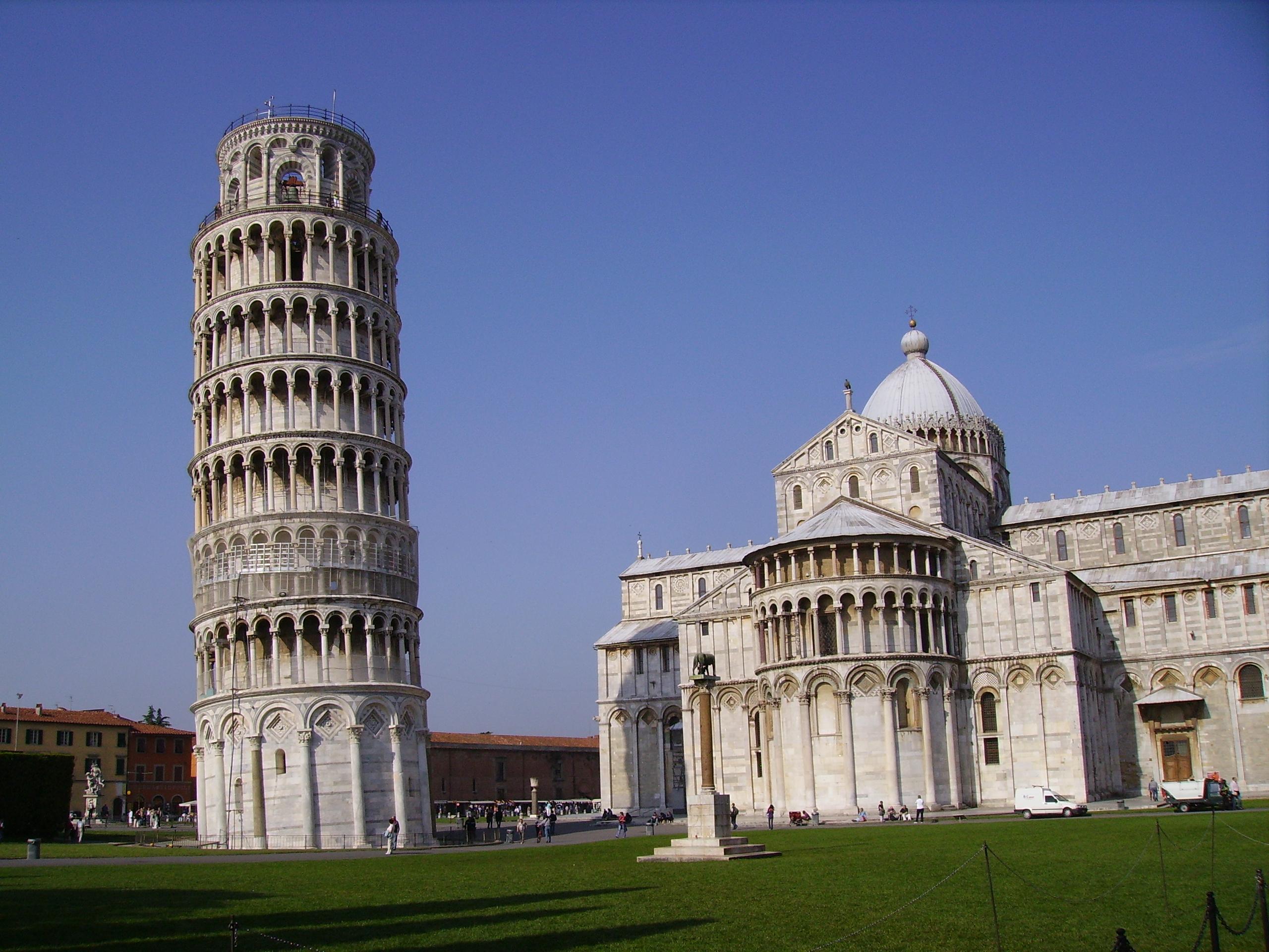 Description leaning tower pisa