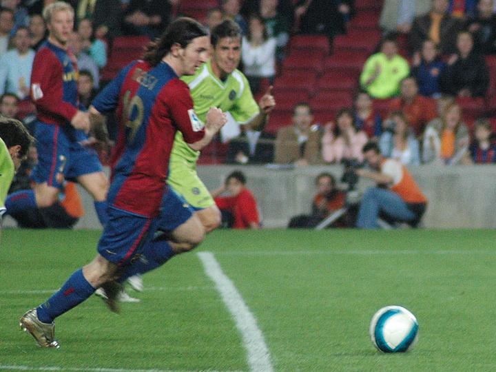 lionel messi foto. File:Lionel Messi goal