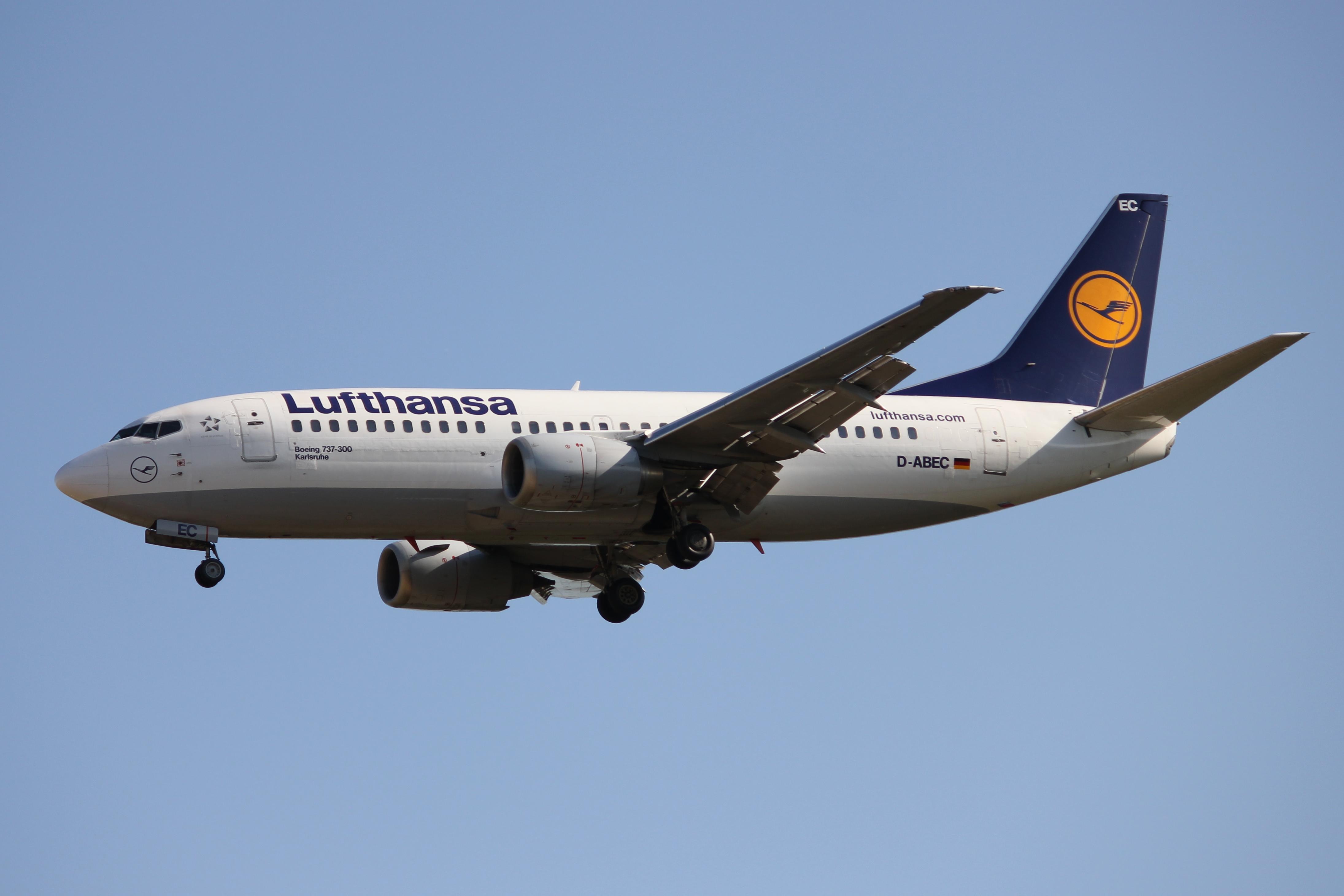 File:Lufthansa 733 D-ABEC.JPG