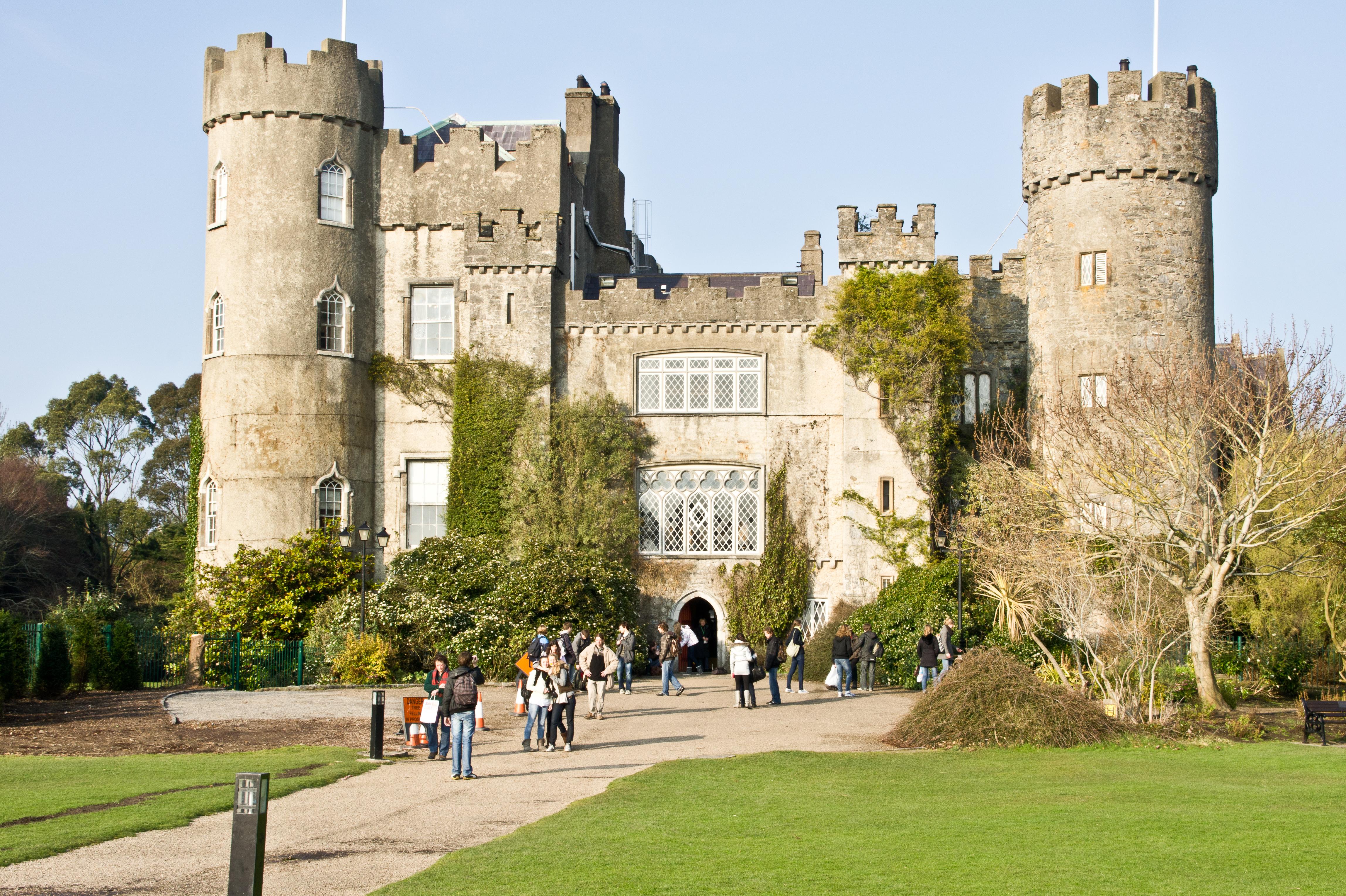 Malahide Castle - Wikiwand