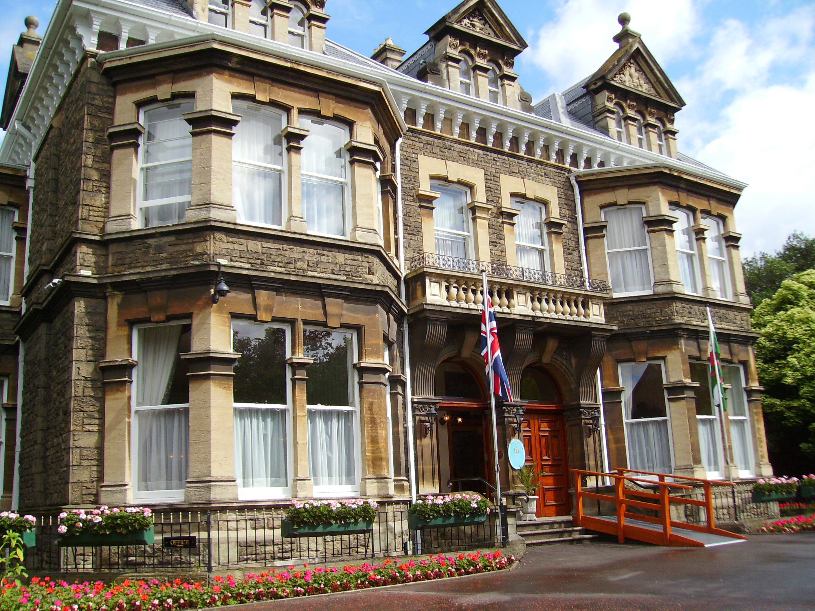 File Mansion House Cardiff Jpg Wikipedia