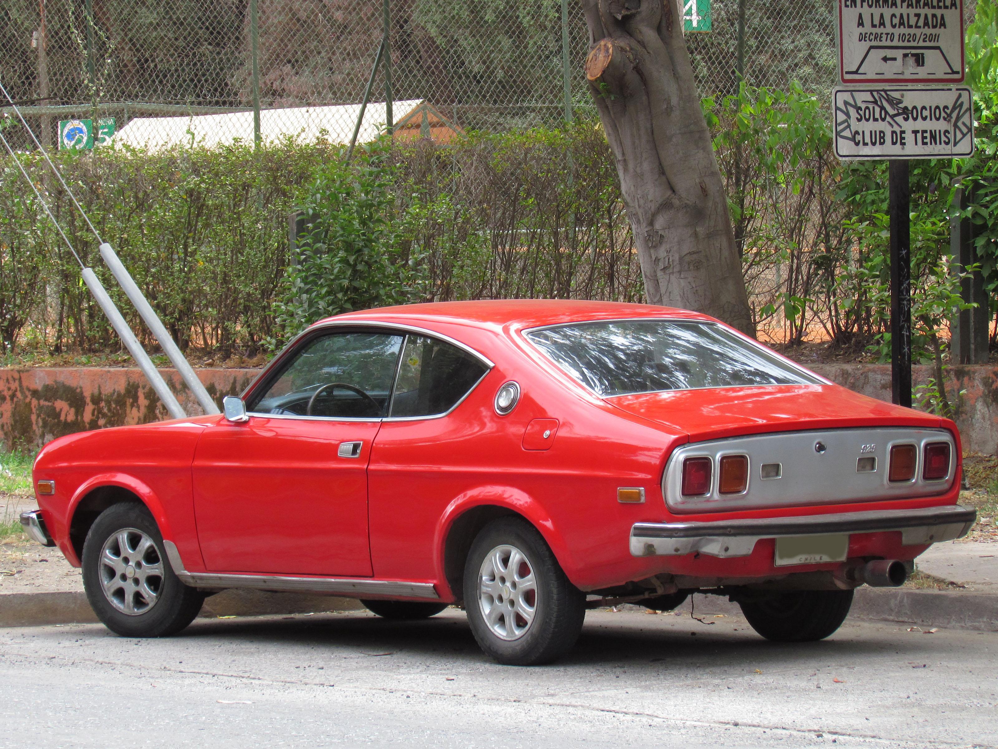 Build Your Mazda >> File:Mazda 929 Hardtop Coupe 1976 (11317464073).jpg - Wikimedia Commons