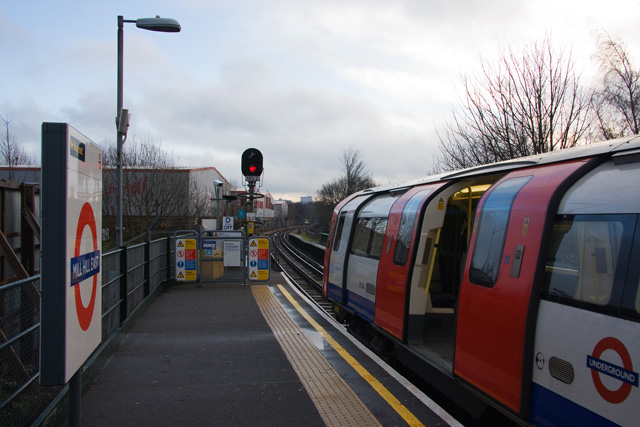 Mill Hill East Station - geograph.org.uk - 1129483