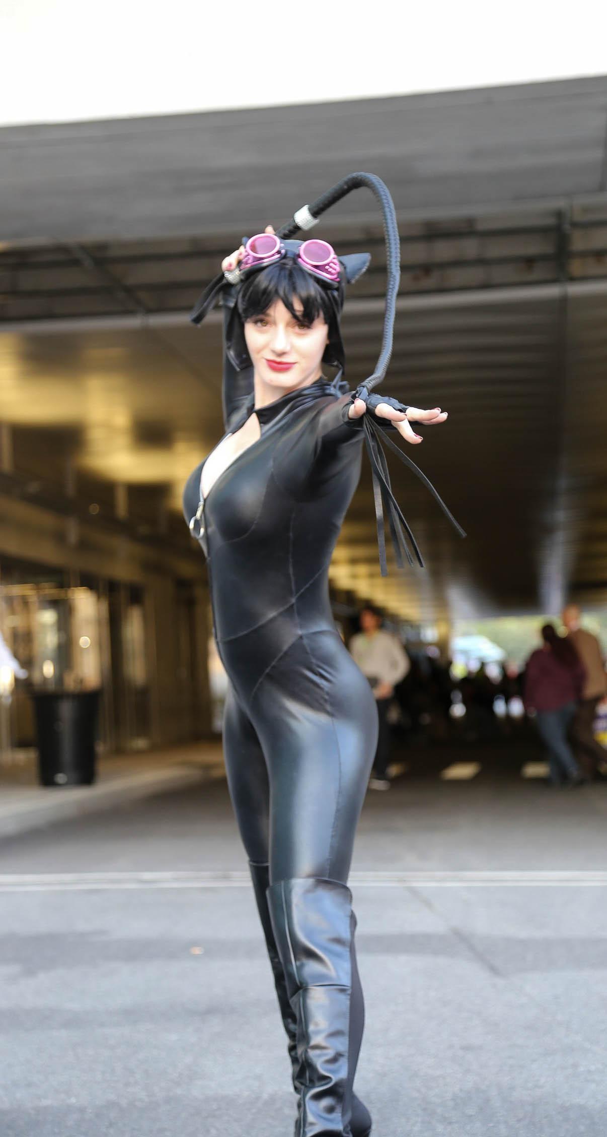 File:New York Comic Con 2015 - Catwoman (22056666921).jpg ...