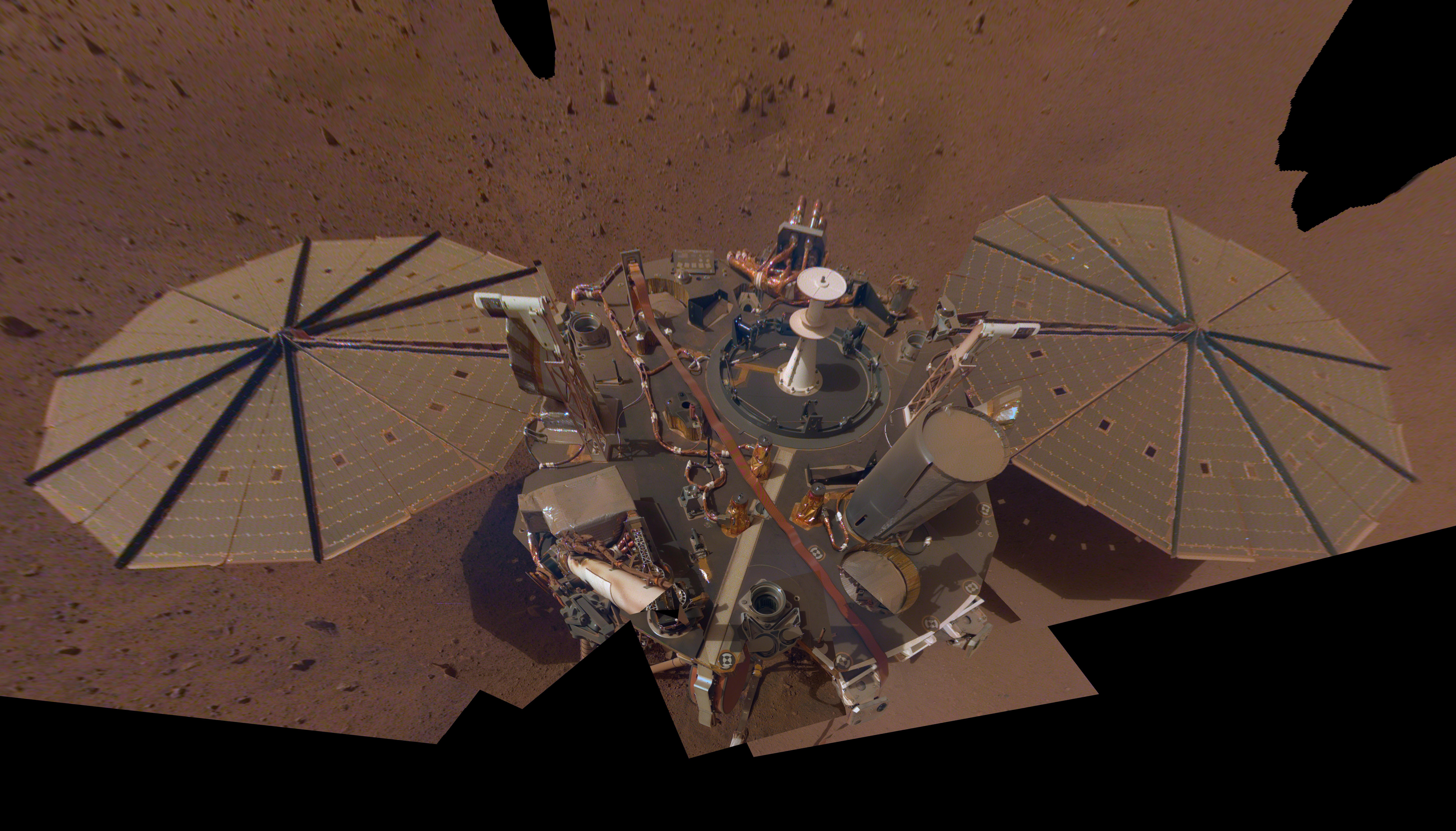 PIA23203-Mars-InSightLander-2ndSelfie-20190411.jpg