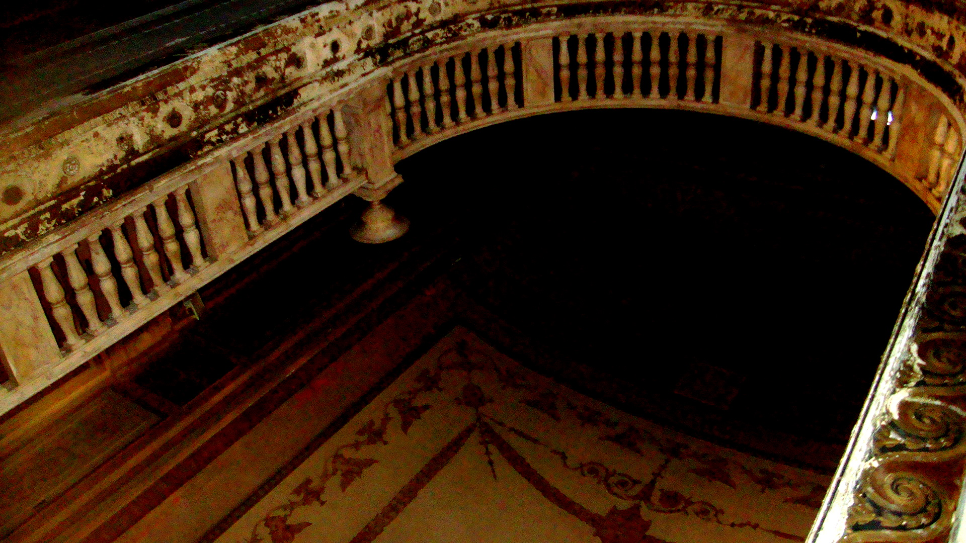 File palace theater balcony bridgeport for Balcony history