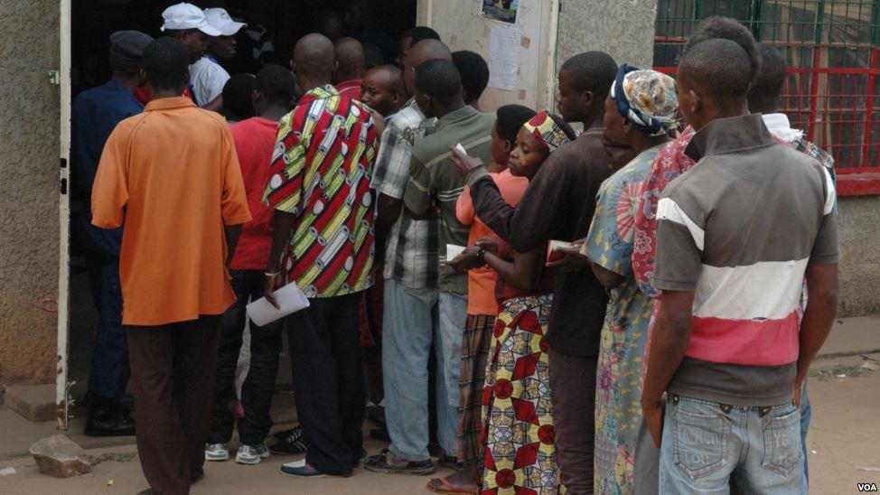 Fichier:People voting in Bujumbura, Burundi, 29 June 2015.jpg ...