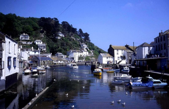 Polperro harbour - geograph.org.uk - 473944
