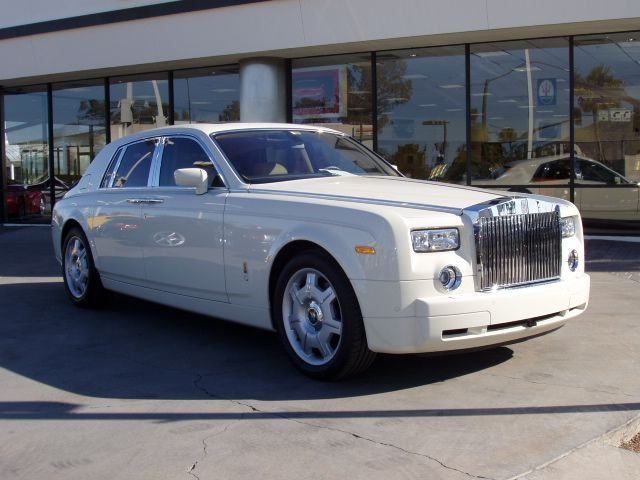 Royce Royce >> File:Rolls-Royce Phantom front 20080225.jpg - Wikimedia Commons