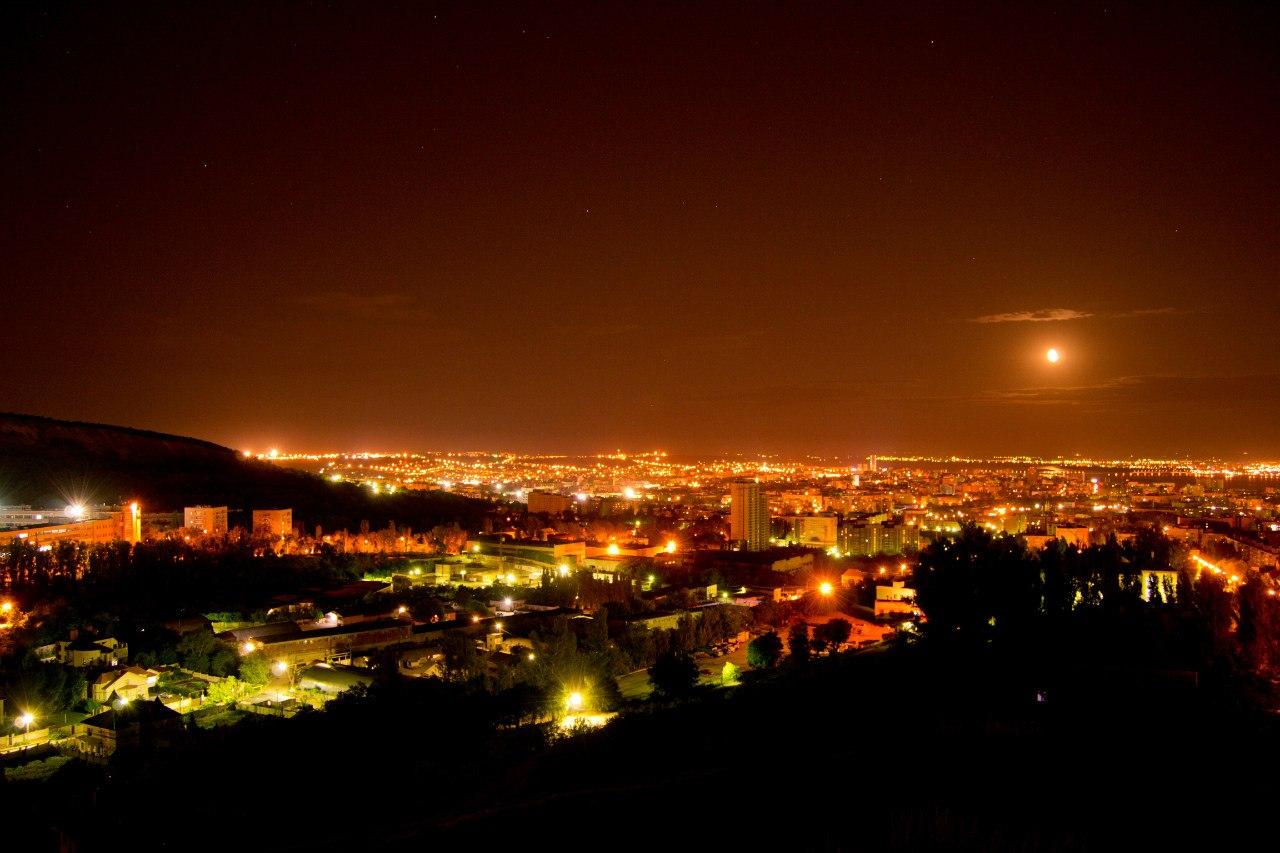 саратов фото ночью