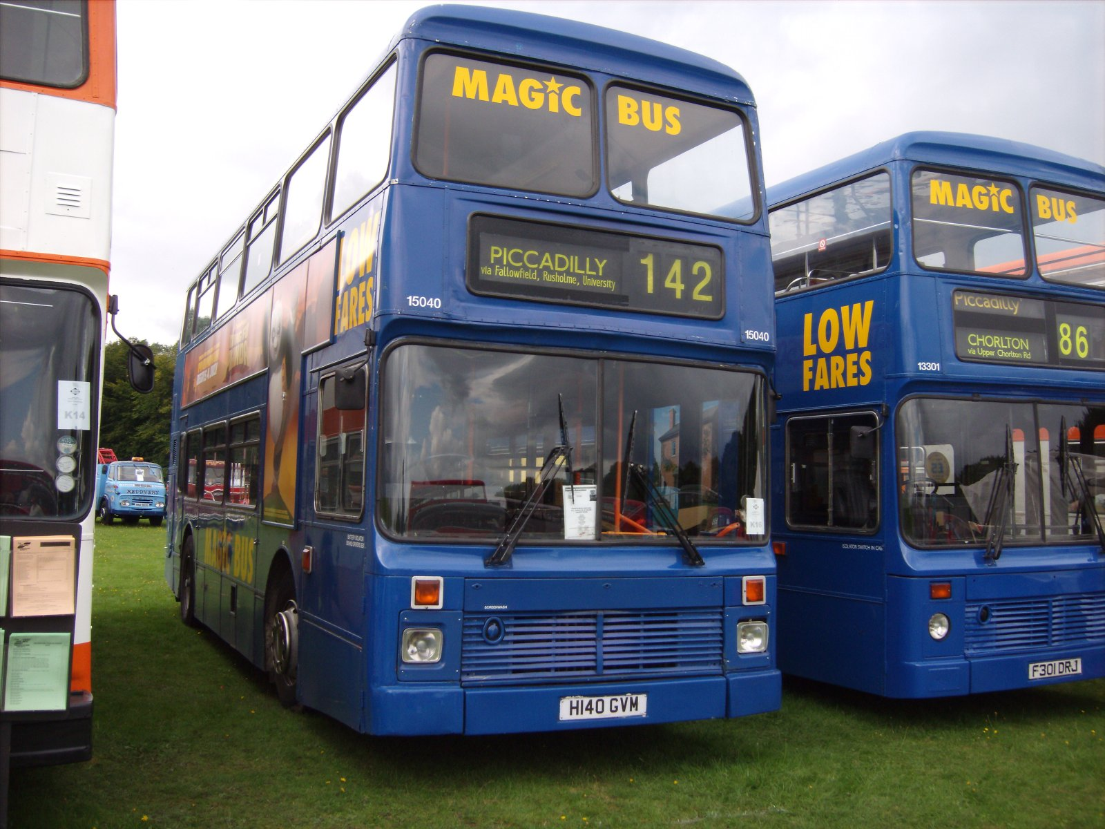 File:Stagecoach bus 15040 (H140 GVM), 2008 Trans Lancs bus rally.