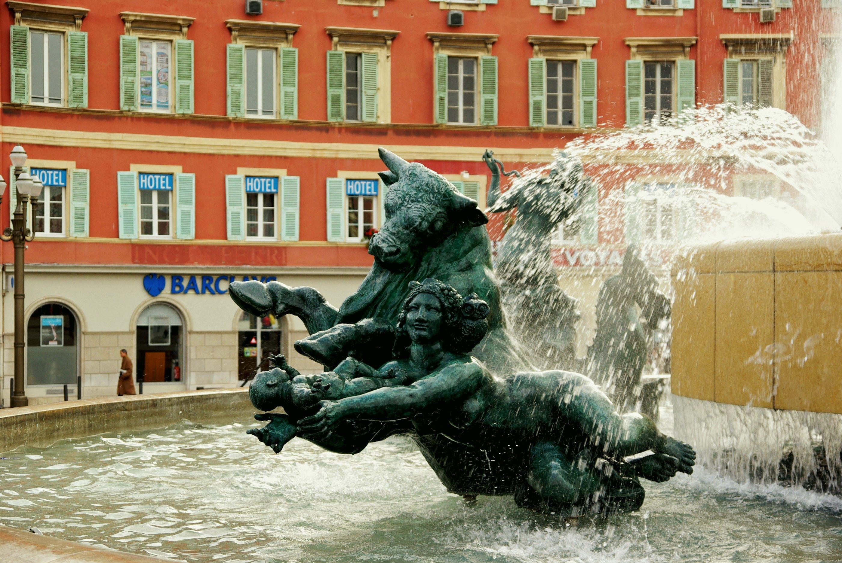 File statue fontaine place massena - Place massena nice ...