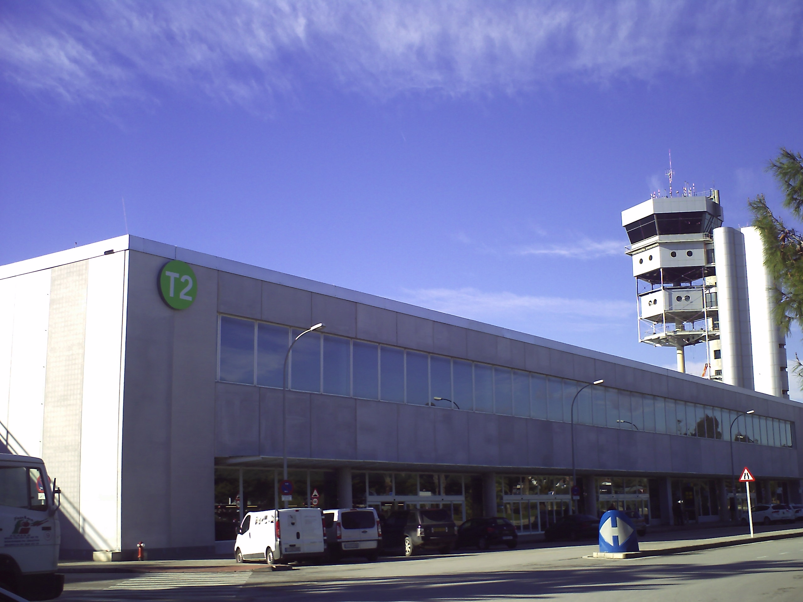 Aeroporto Alicante : File terminal aeropuerto alicante g wikimedia commons