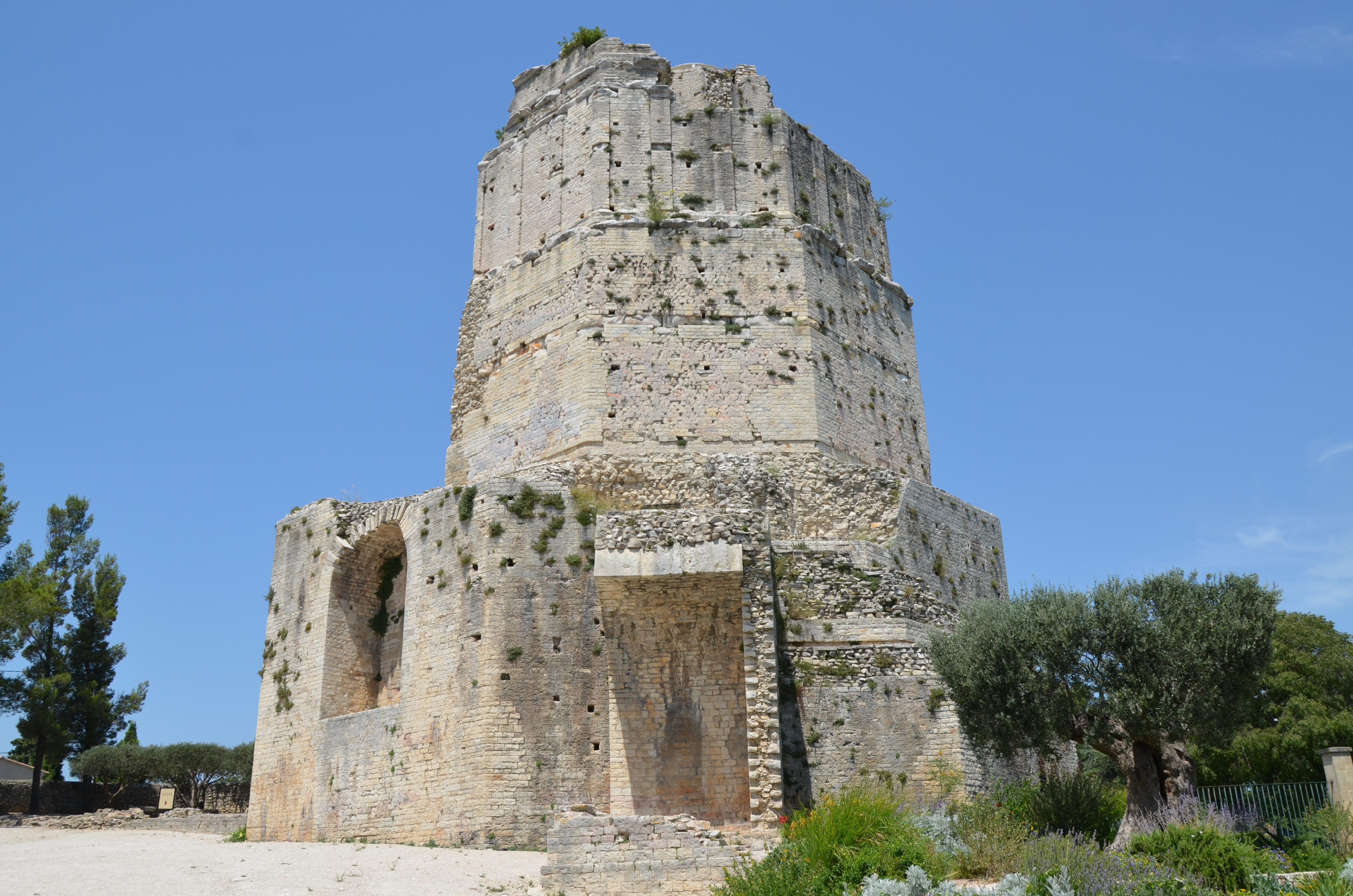 File the tour magne or the great tower is the only remnant of the ancient augustan - Tour magne nimes ...
