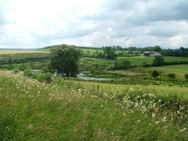 Tilekiln Ponds and Lookingflatt Farm - geograph.org.uk - 901448