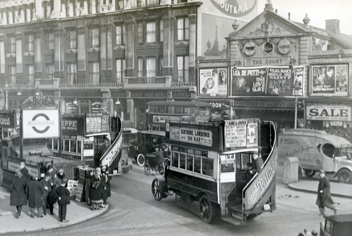 Tottenham Court Road at the junction with Oxford Street. The building on the left was demolished in 1928 to make way for the Dominion Theatre. (Stockholm Transport Museum)