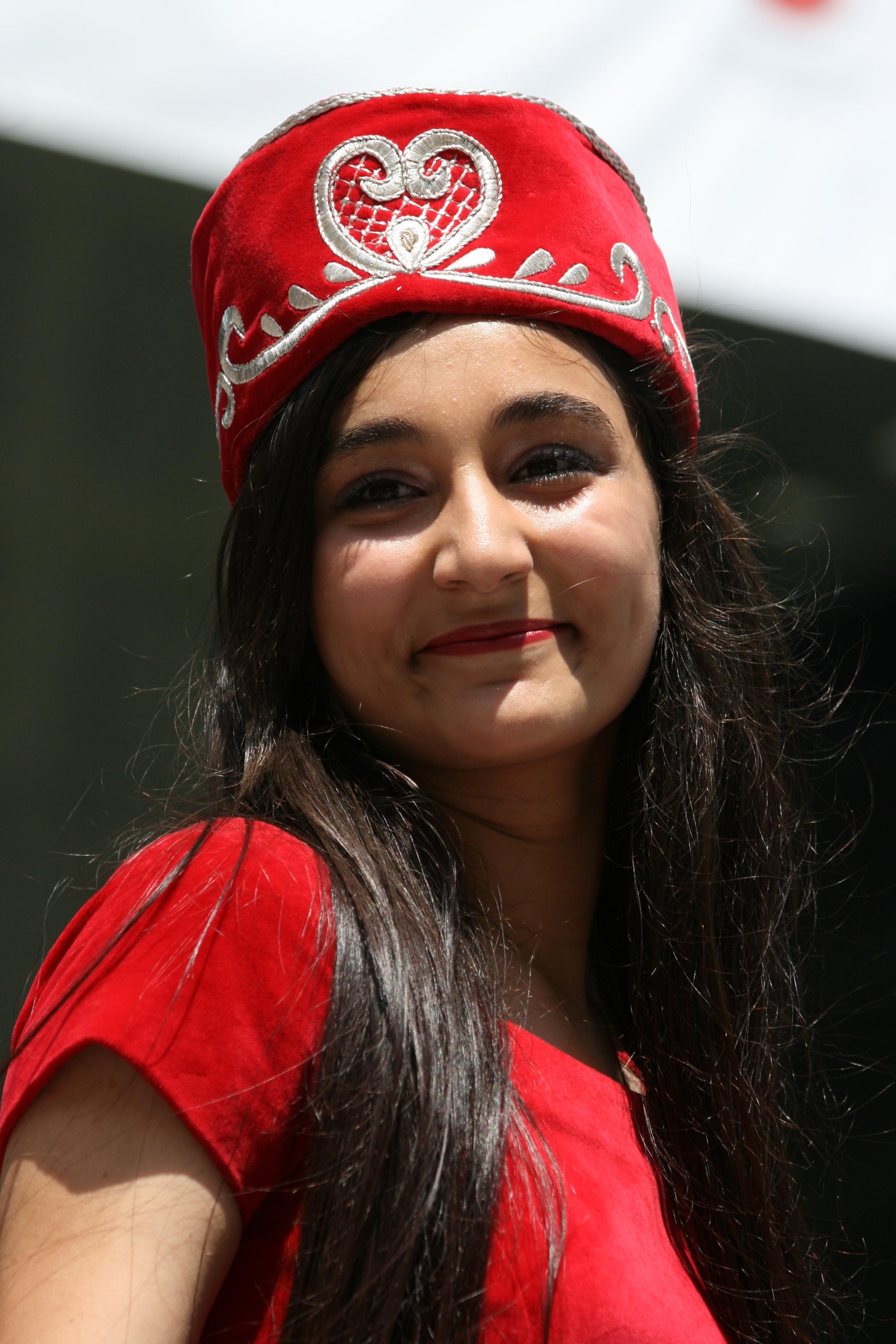 "levant girls Unmute @ezralevant mute @ezralevant follow follow @ezralevant following ezra levant 🇨🇦  verified ""mao saw boys and girls in."