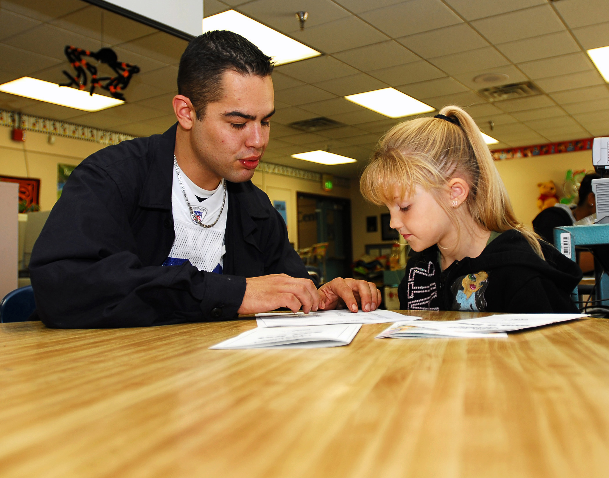 how to become a tutor for elementary students