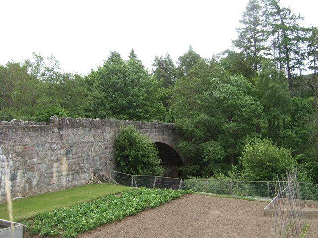 Upstream face of Bridge of Muick - geograph.org.uk - 837901