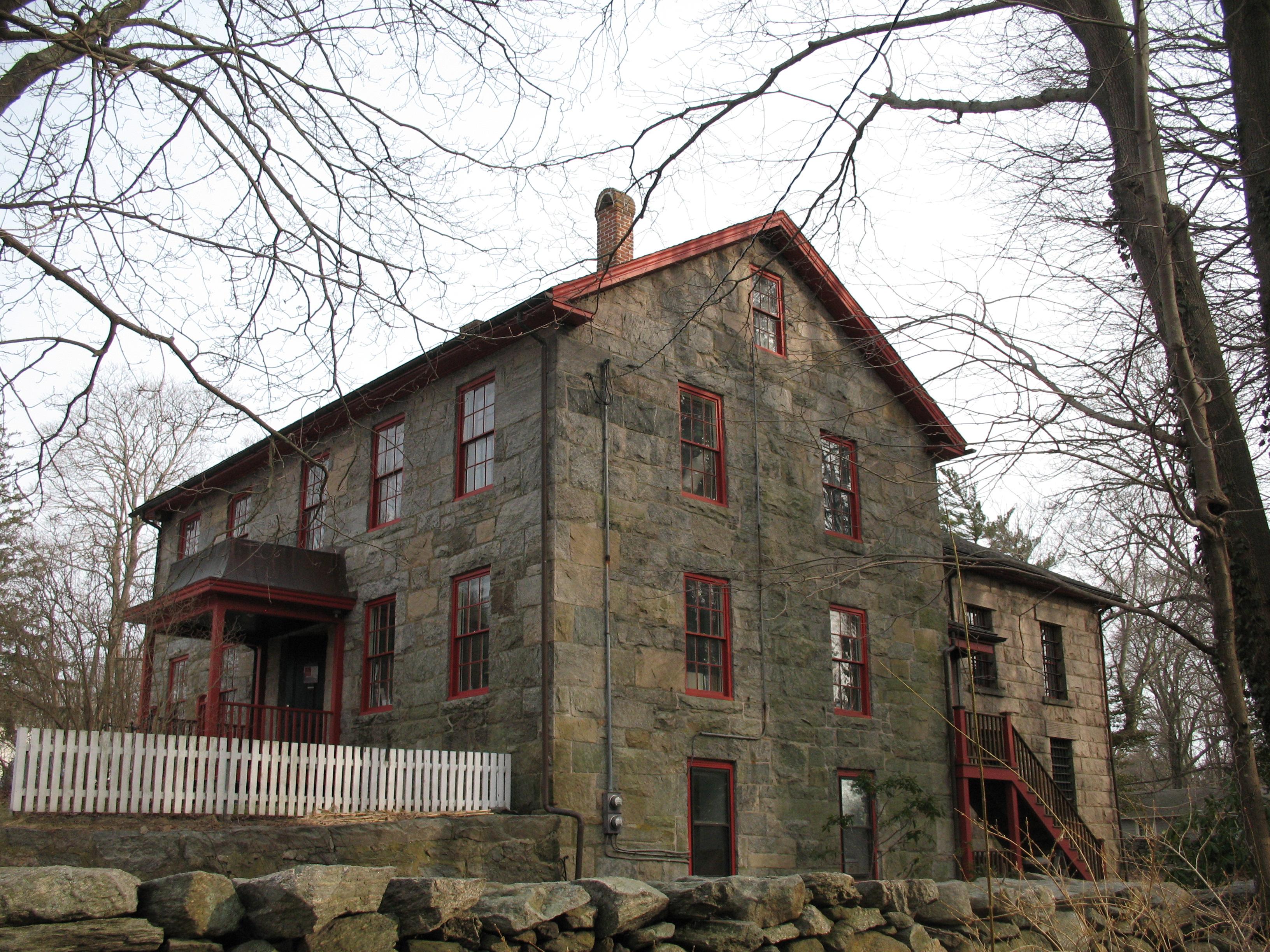 File:Washington County Jailhouse (Pettaquamscutt Historical