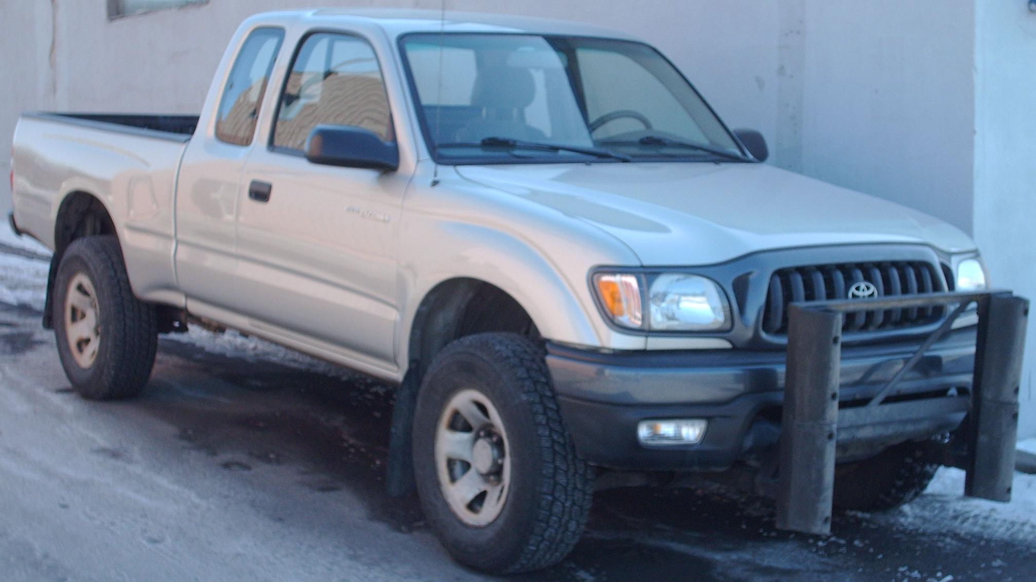 File 01 04 Toyota Tacoma Extended Cab Jpg Wikimedia Commons