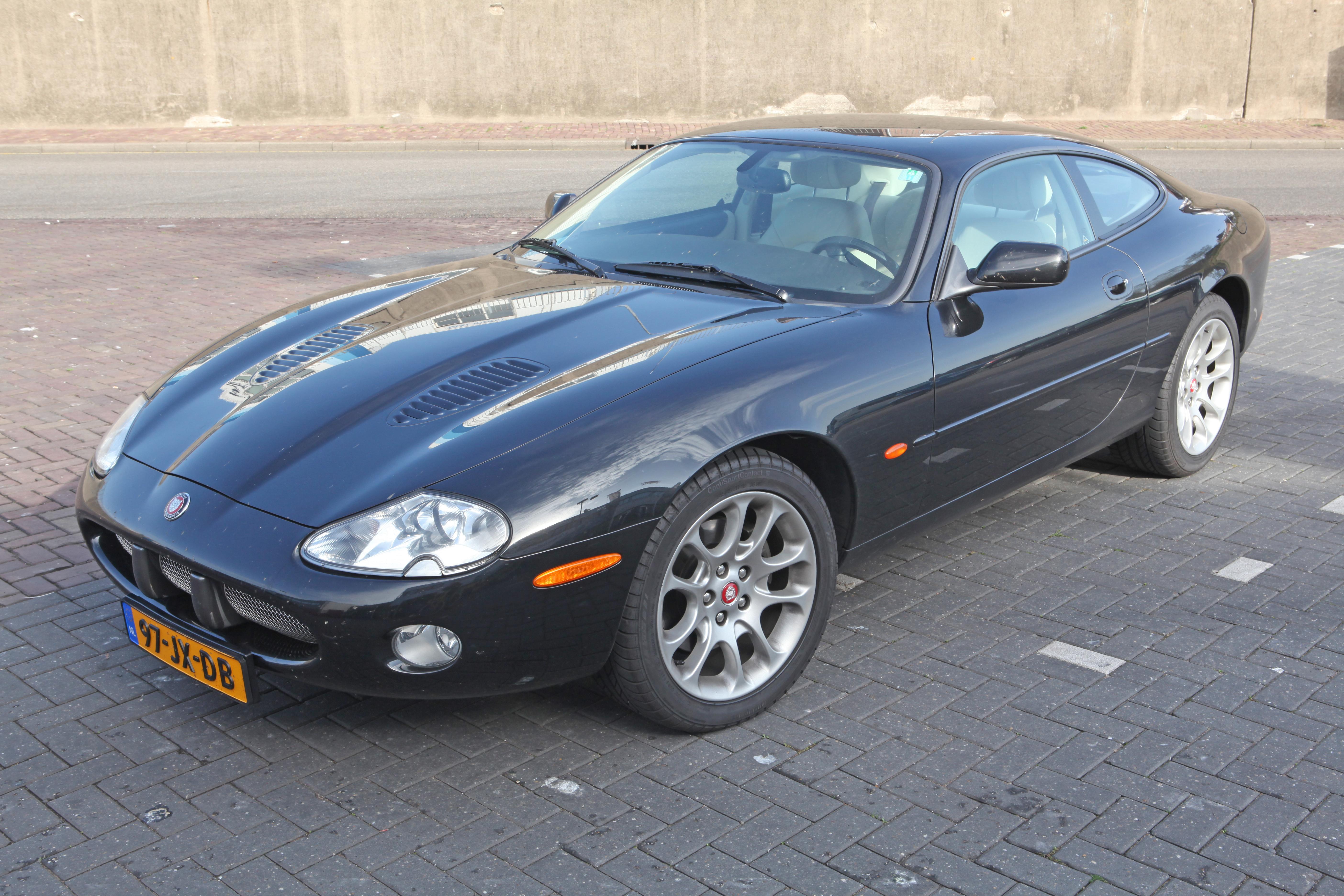 Good File:2002 Jaguar XKR Coupe (8113541450)