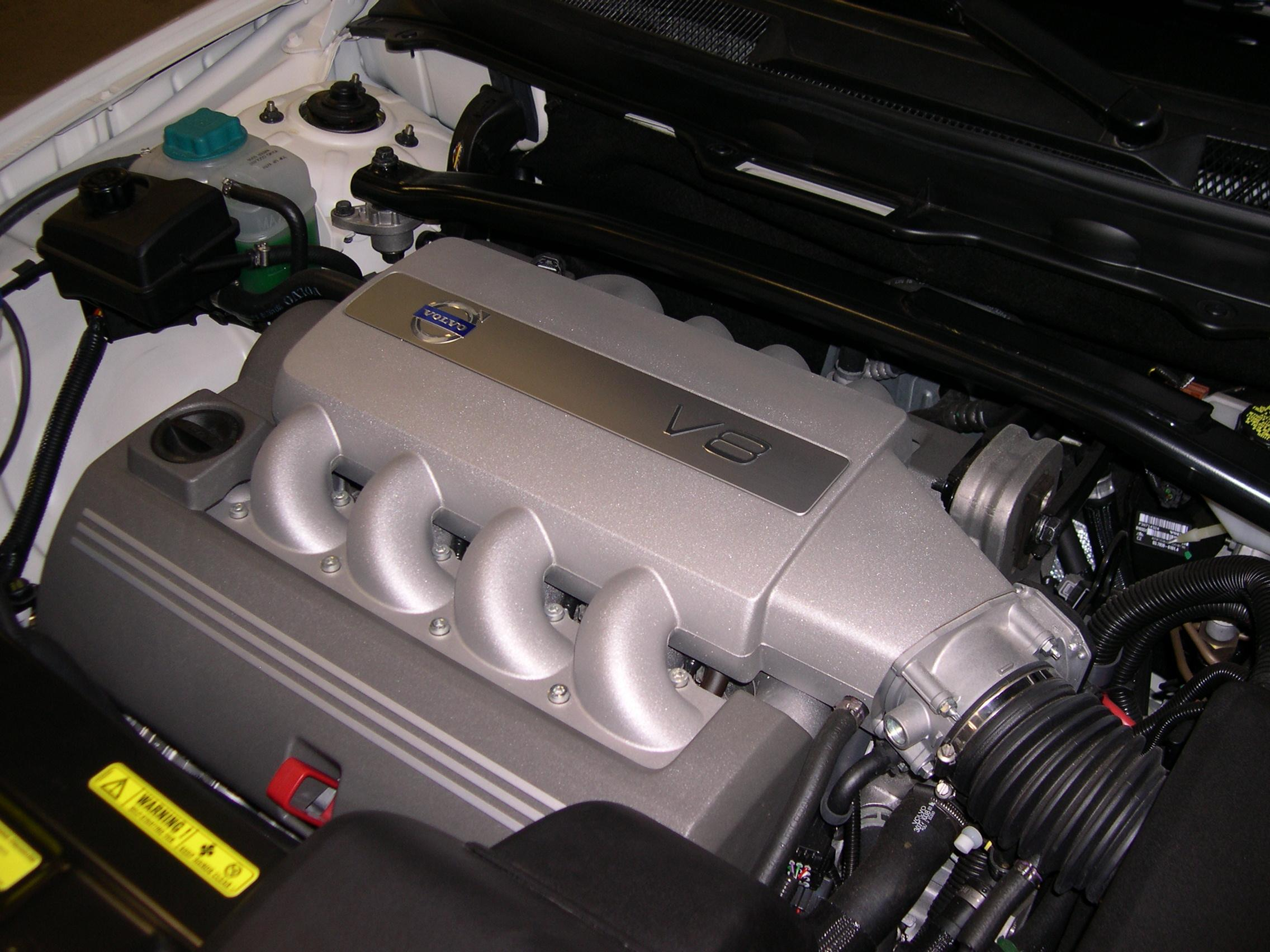 File 2006 Volvo Xc90 V8 Engine Jpg Wikimedia Commons