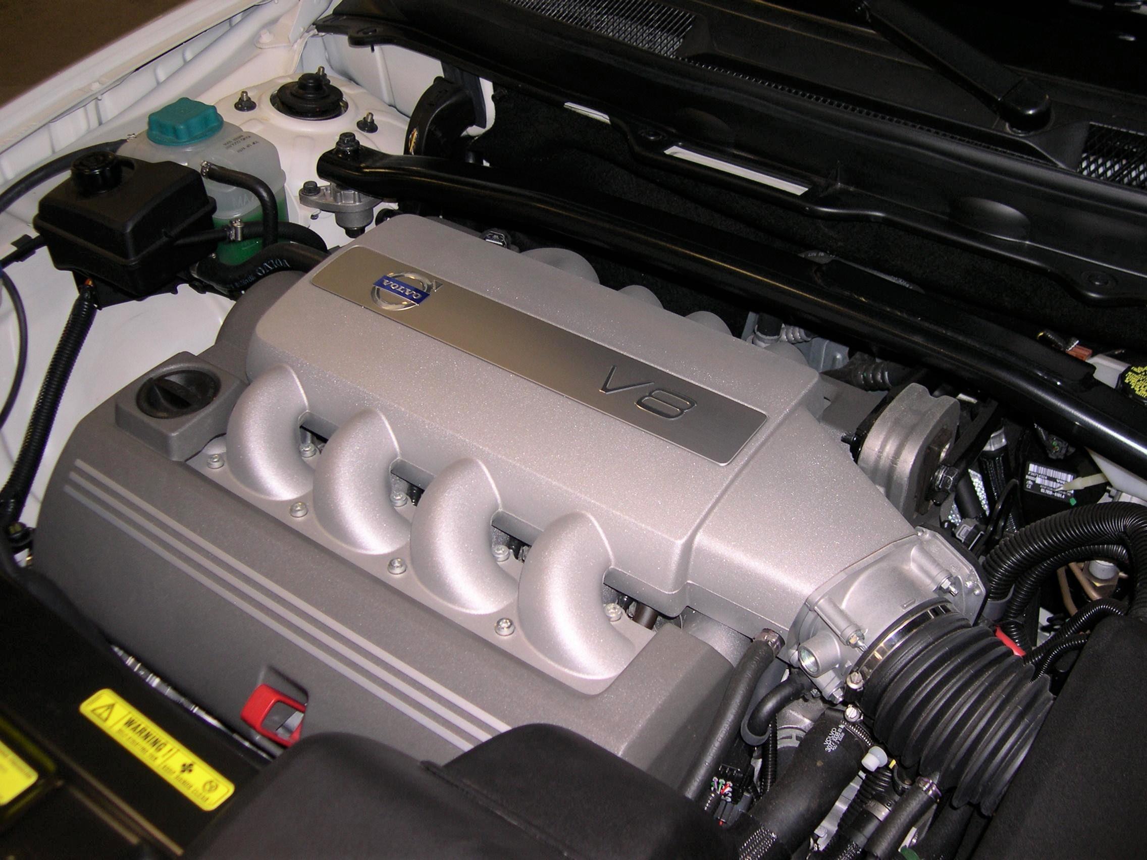 http://upload.wikimedia.org/wikipedia/commons/3/33/2006_Volvo_XC90_V8_engine.jpg