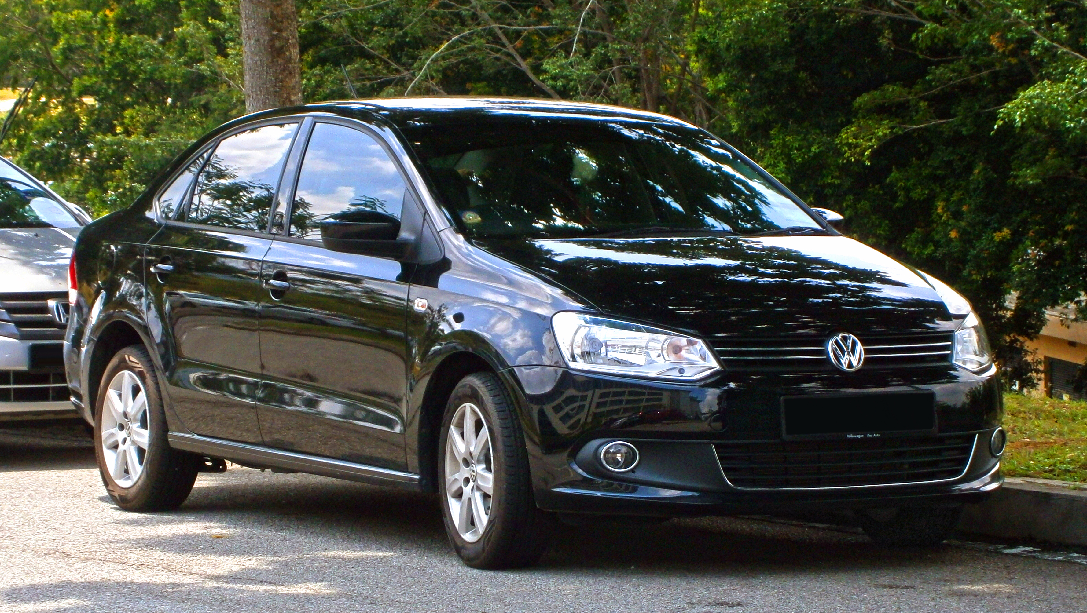 file 2014 volkswagen polo sedan ckd in cyberjaya malaysia 01 jpg wikimedia commons. Black Bedroom Furniture Sets. Home Design Ideas