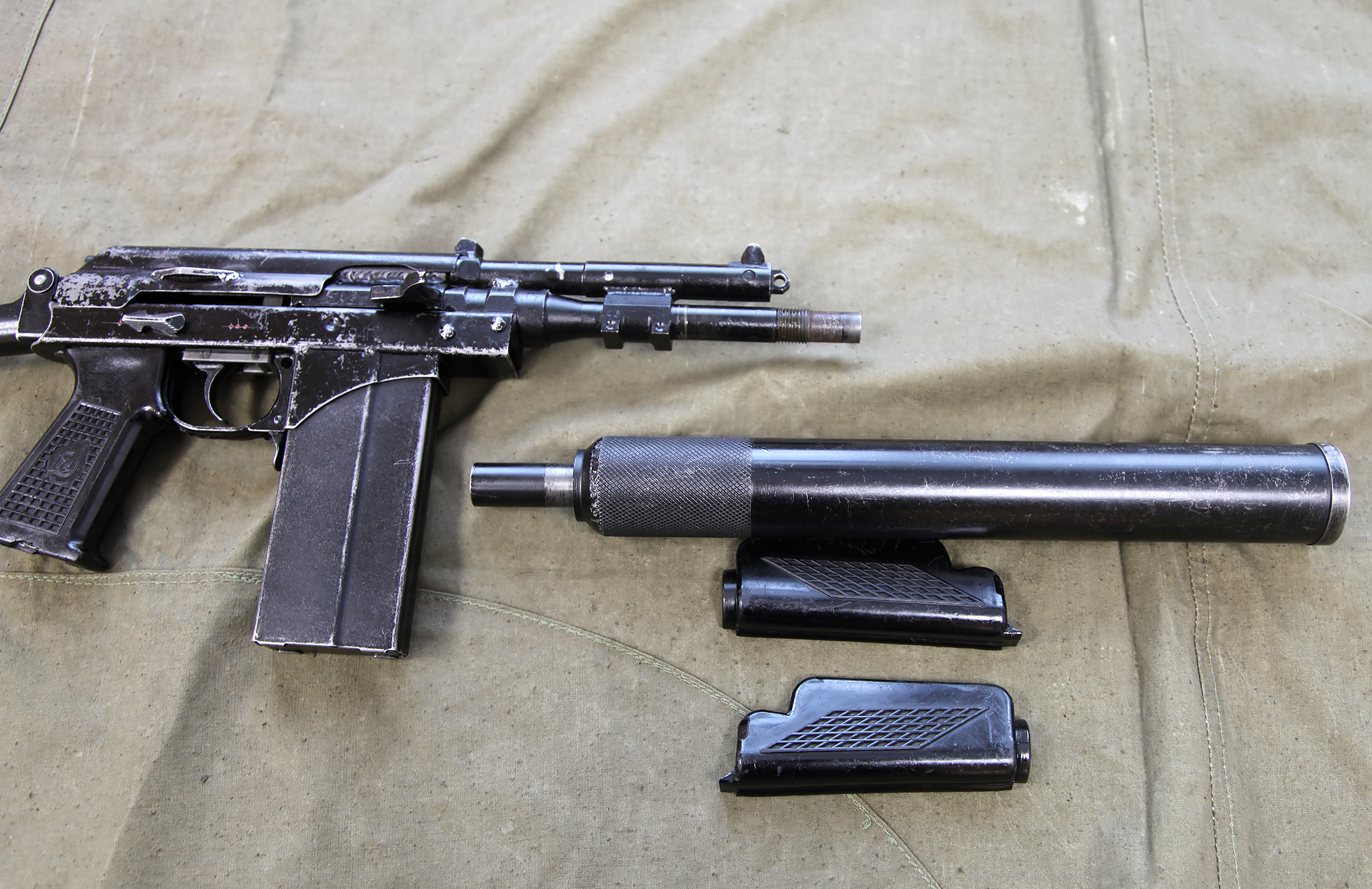 File:9mm KBP 9A-91 compact assault rifle - 40.jpg