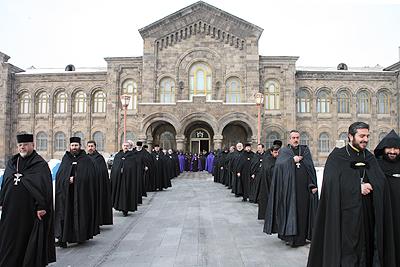 église apostolique arménienne