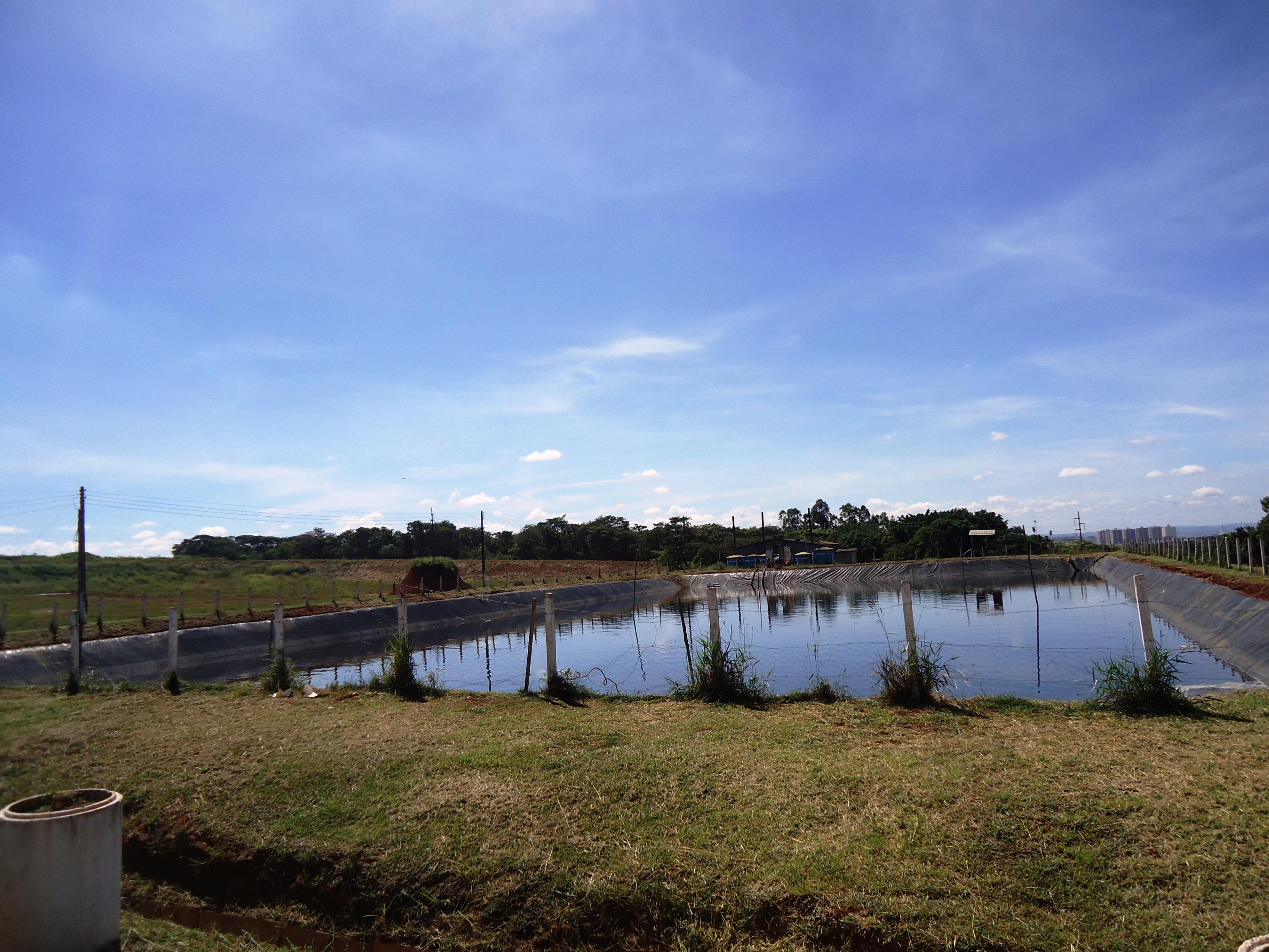 O Aterro Sanitário de Goiânia também realiza tratamento de lixo.
