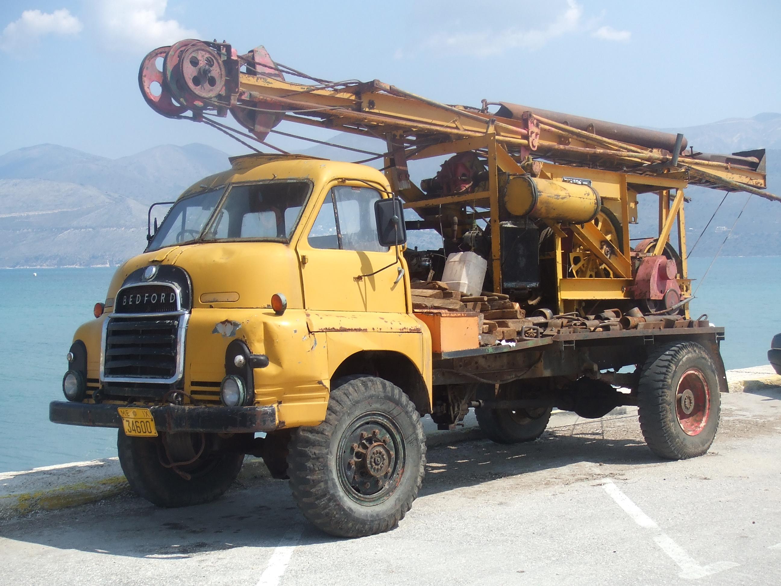 Shovel Truck