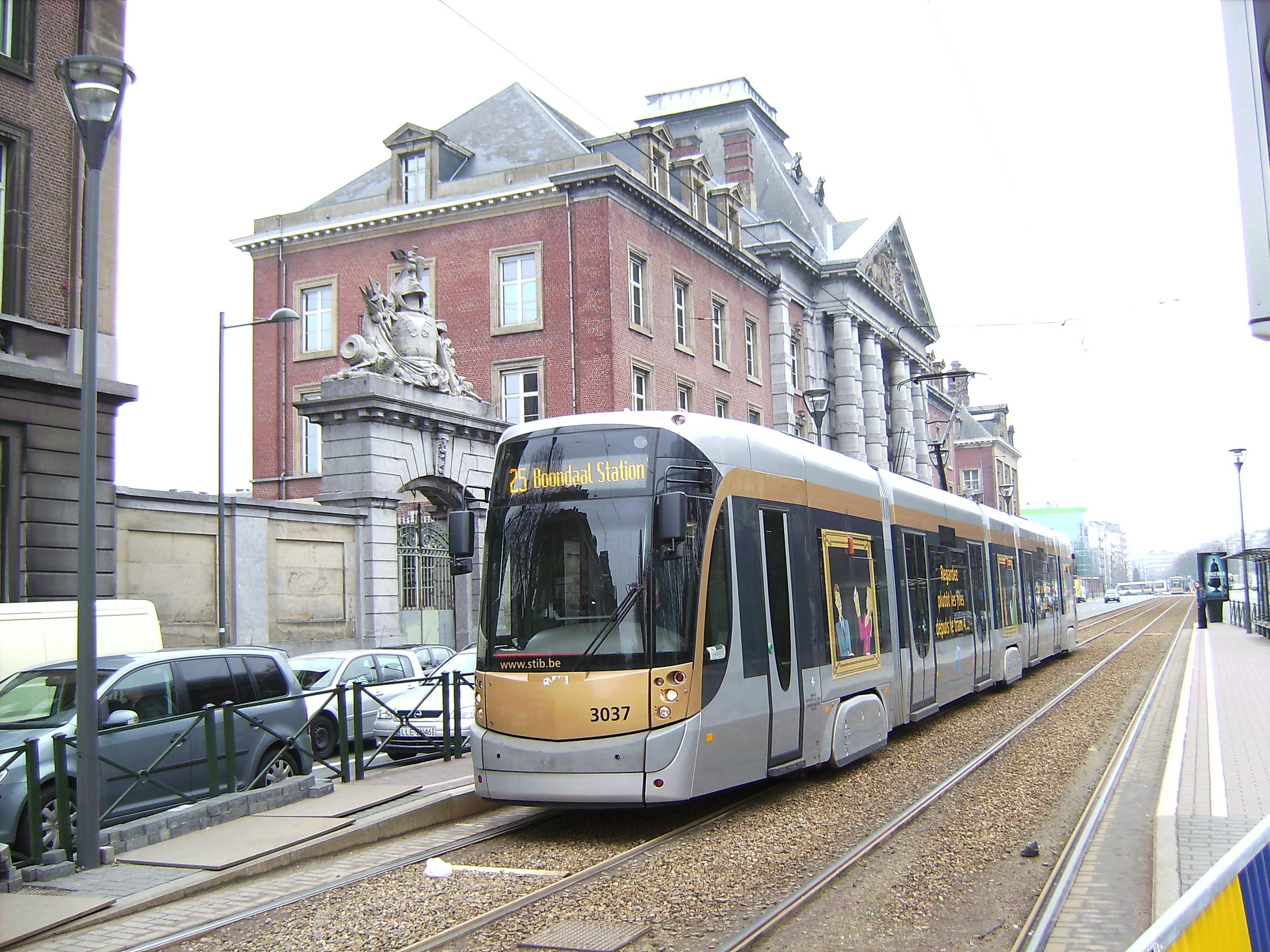Brussel_tram_3037.jpg