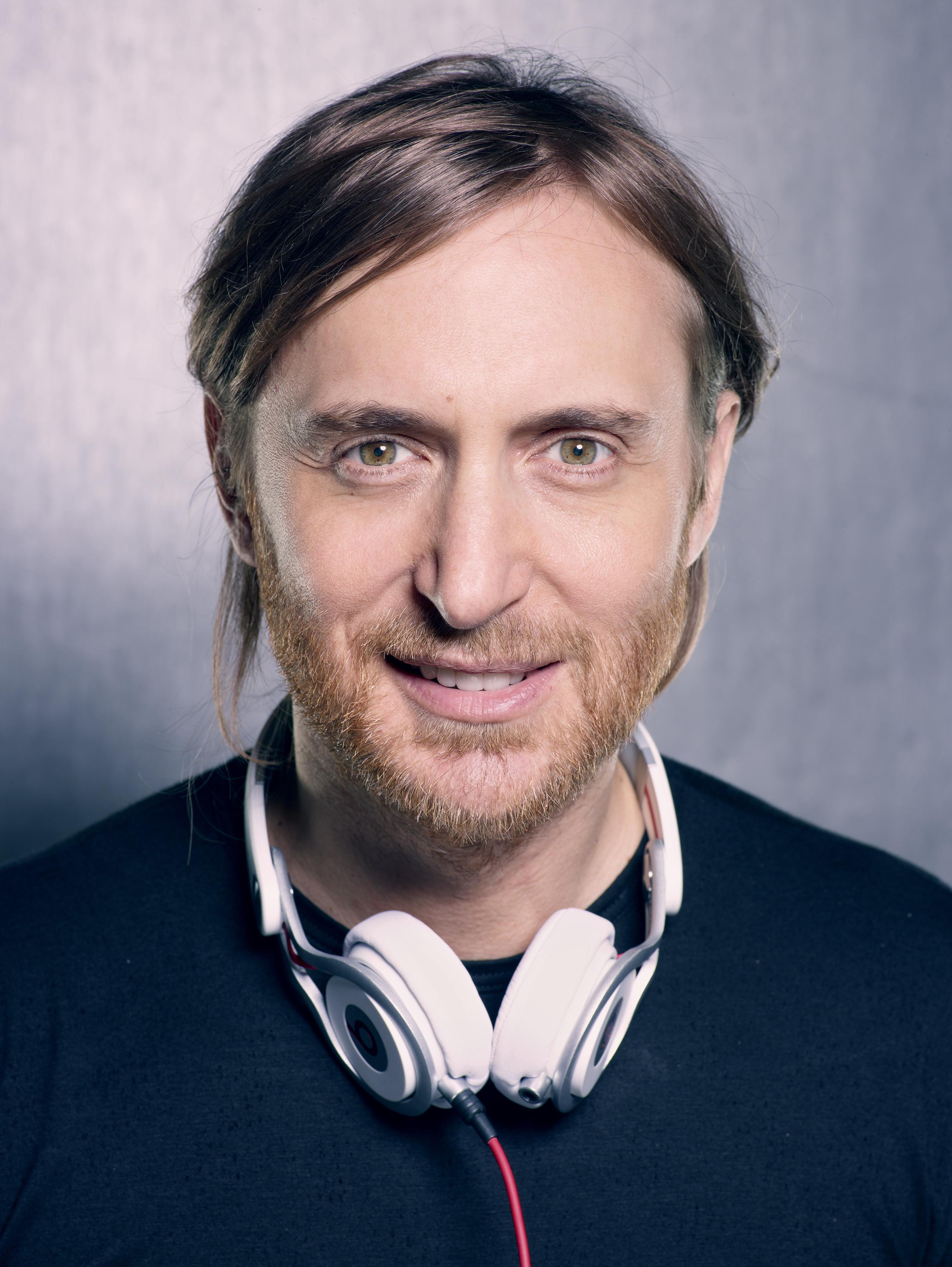 The 50-year old son of father (?) and mother(?) David Guetta in 2018 photo. David Guetta earned a  million dollar salary - leaving the net worth at 30 million in 2018