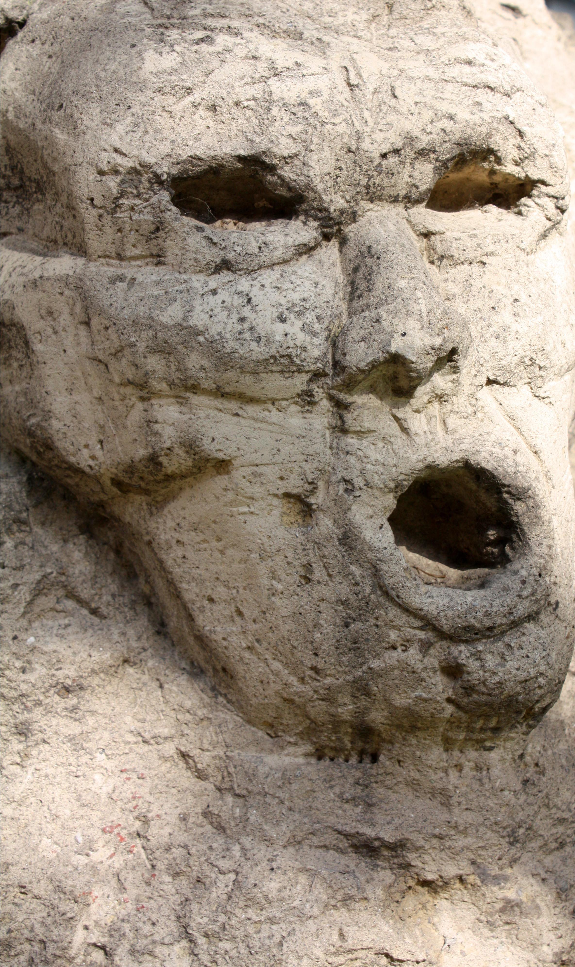 File:Der-Stein-des-Anstoßes.JPG - Wikimedia Commons
