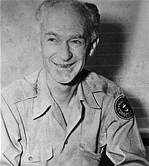 Ernie Pyle, American war reporter who inspired...