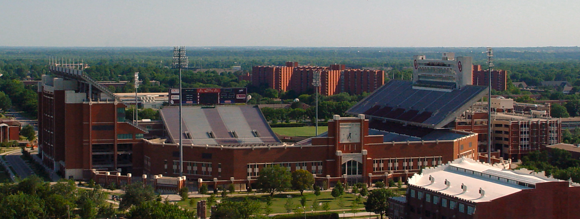 gaylord family oklahoma memorial stadium amazing college stadiums