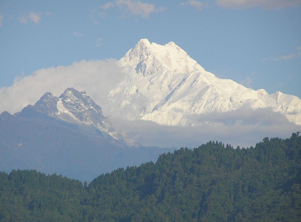 najgroźniejszych gór świata. Kanczendzonga (widok z Gangtok)