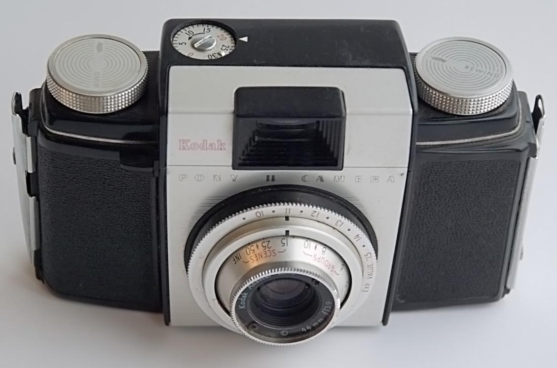 File:Kodak Pony II Camera jpg - Wikimedia Commons