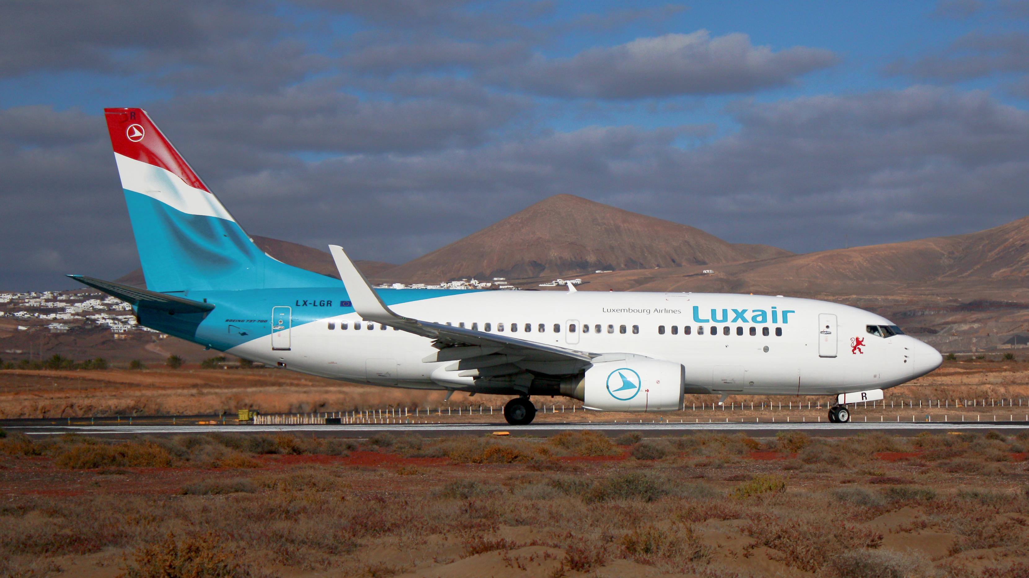 File Luxair B737 700 Lx Lgr Jpg Wikimedia Commons