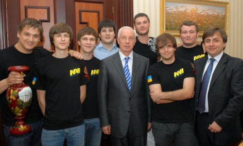 File:NaVi-Azarov.jpg
