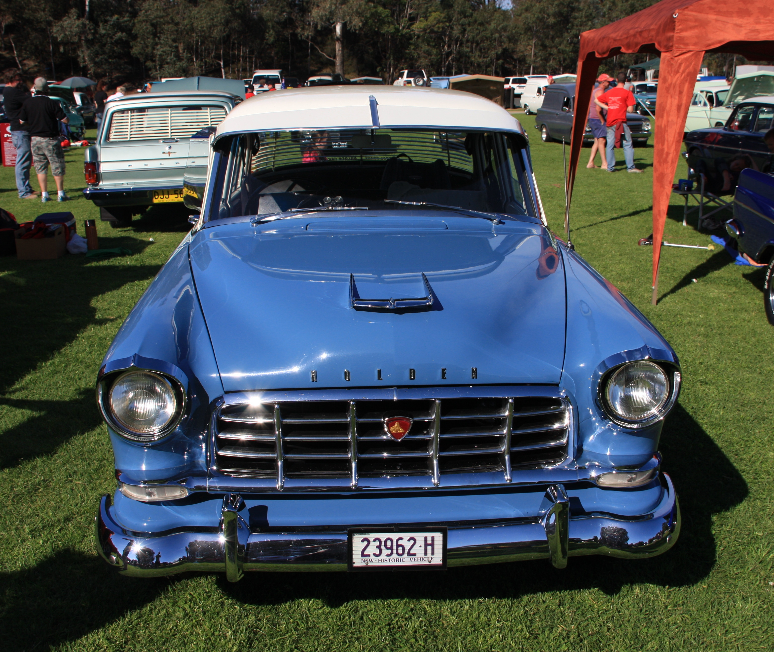 File:Old holden historical vehicle.JPG - Wikimedia Commons