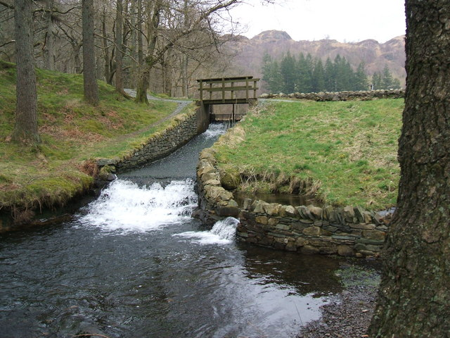 Outflow from Yew Tree Tarn - geograph.org.uk - 747953