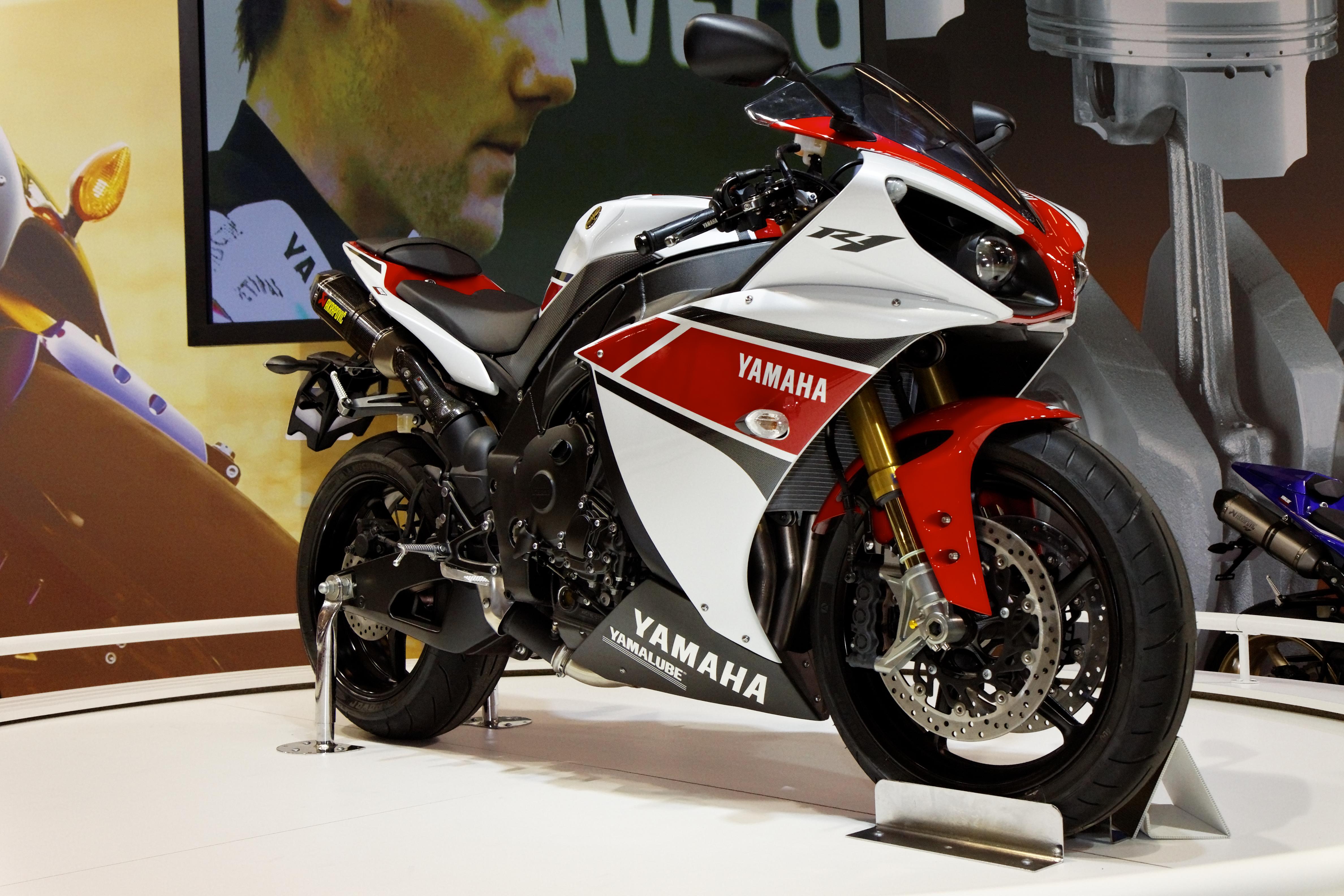 Connu File:Paris - Salon de la moto 2011 - Yamaha - YZF-R1 - 005.jpg  JZ34